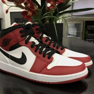 air jordan 1 chicago 2020 white heel 1